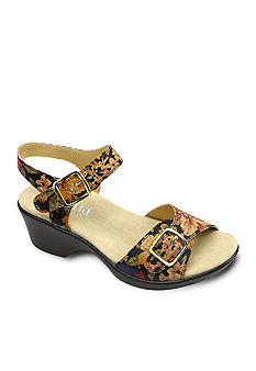 Alegria by PG Lite Alegria Daisy Wedge