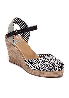 DV8 by Dolce Vita Simonah Wedge Sandal