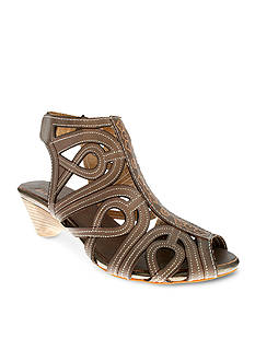 Spring Step Flourish Sandal