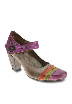 Spring Step Hulahoop Maryjane Pump