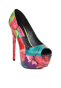 Betsey Johnson Bridgitt Pump