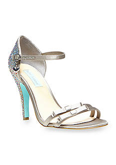Betsey Johnson Bow Pump