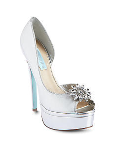 Betsey Johnson Honor Pump