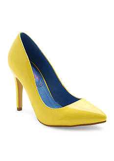 XOXO Filomena Pumps