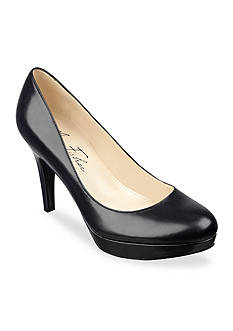 Marc Fisher Sydney Platform Pump