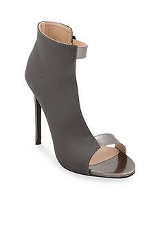 C. Label Olive6 Sandal