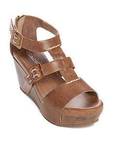 Antelope Buckle Wedge Shoes