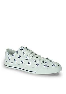 Unisex MLB New York Yankees Low Top Shoe