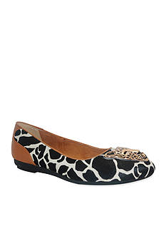 J Reneé Safeen Flat - Available in Extended Sizes - Online Only