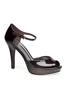 New Directions Sumner Peep Toe Pump