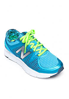 New Balance Women's 775 Running Shoe