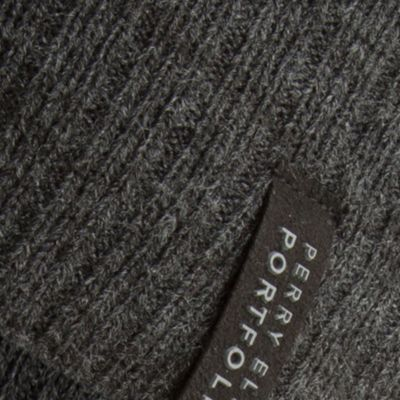 Perry Ellis: Black Perry Ellis Ribbed Beanie Hat