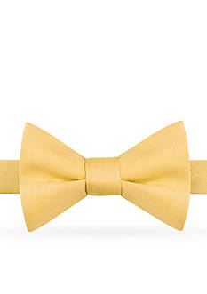 IZOD Chesapeake Solid Bow-Tie