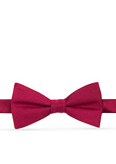 IZOD Chesapeake Solid Pre-tied Bow Tie