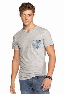 Chip & Pepper CALIFORNIA Short Sleeve Split Neck Pocket T-Shirt