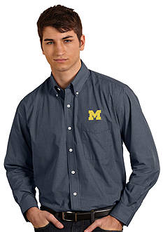 Antigua Michigan Wolverines Focus Woven Shirt