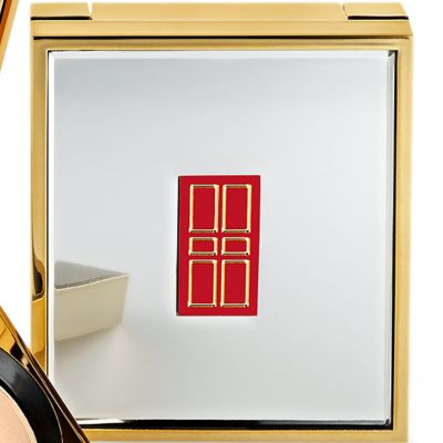 Pressed Powder: Translucent Elizabeth Arden Flawless Finish Ultra Smooth Pressed Powder