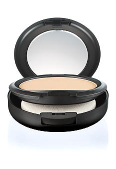 M&#183;A&#183;C Studio Fix Powder Plus Foundation<br>