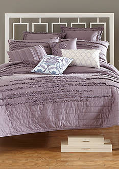 Nostalgia Home Fashions NEVEAH QUILT