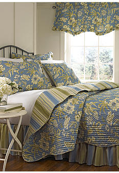Waverly Augustine Quilt Set