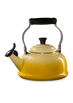 Le Creuset Classic Whistling Tea Kettle