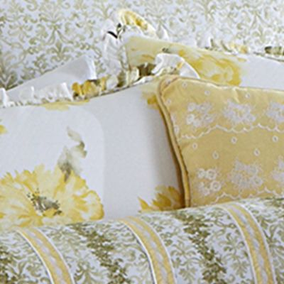 Floral Bedding: Light Green MaryJane's Home WATRCLRFLRL QCMFSET