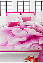 Flower Girl  Full/Queen Comforter Set 86-in. x 90-in.