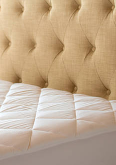 Sealy Posturepedic 300 Thread Count Egyptian Cotton Waterproof Pad