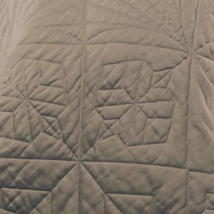 Quilts: Cafe Waterford LISMORE QN QLT WHITE