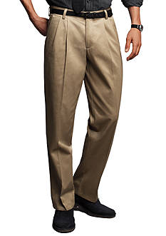Dockers D3 Classic Fit Pleated Signature Khaki Pant