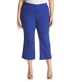 Relativity® Plus Size Twill Capri
