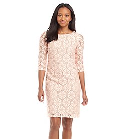 Jessica Howard® Petites' Floral Lace Shift Dress