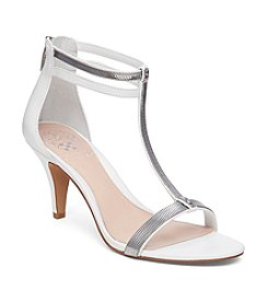 Vince Camuto®