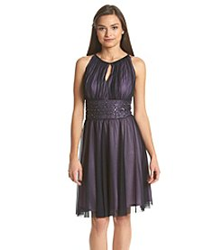 Jessica Howard® Petites' Keyhole Neck Sequin Dress