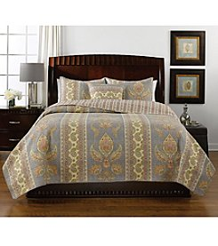 LivingQuarters New Haven Light Grey Print Quilt Collection