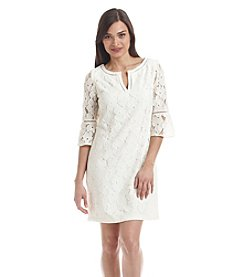 Jessica Howard® Petites' Split Neck Lace Shift Dress