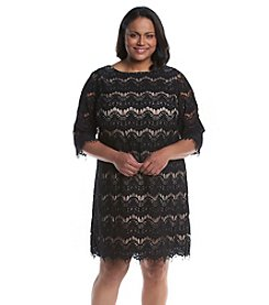 Jessica Howard® Plus Size Patterned Lace Shift Dress