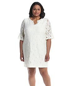 Jessica Howard® Plus Size Split Neck Lace Dress