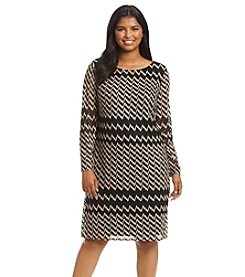 Jessica Howard® Plus Size Zigzag Lace Shift Dress