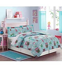 LivingQuarters Reversible Down-Alternative Happy Howldays Comforter