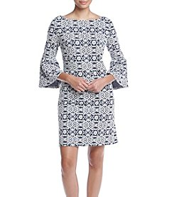 Jessica Howard® 3/4 Flutter Sleeve Shift Dress