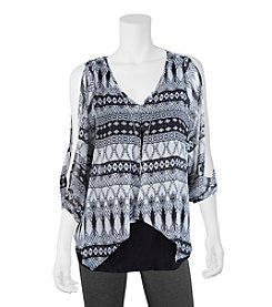 A. Byer Geometric Overlay Top