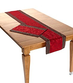 LivingQuarters Holly Scroll Table Linens