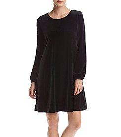 Taylor Dresses Velvet Dress