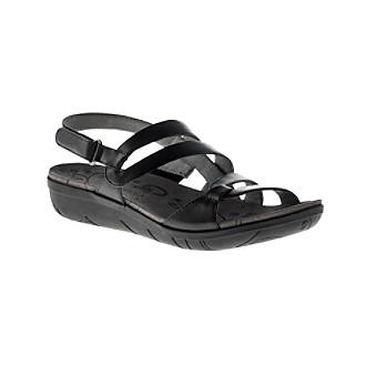 8cdc8563460e Bare Traps - Haydin (Caramel) Women s Shoes. EAN-13 Barcode of UPC  825443748674. 825443748674