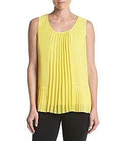 Relativity® Pleated Shell Top