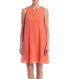 Jessica Howard® Keyhole Neckline Shift Dress