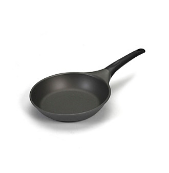 "Nordic Ware® Pro Cast 8"" Omelet Pan"