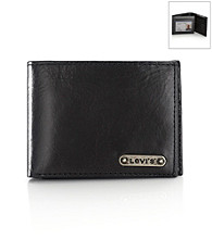 Levi's® Men's Traveler Wallet - Black