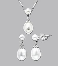 10K White Gold Freshwater Pearl Diamond Pendant and Earrings Set